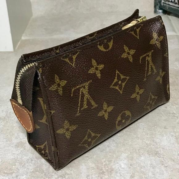 85d01a8943b Louis Vuitton Handbags - Louis Vuitton Poche Toilette 15 Cosmetic Pouch